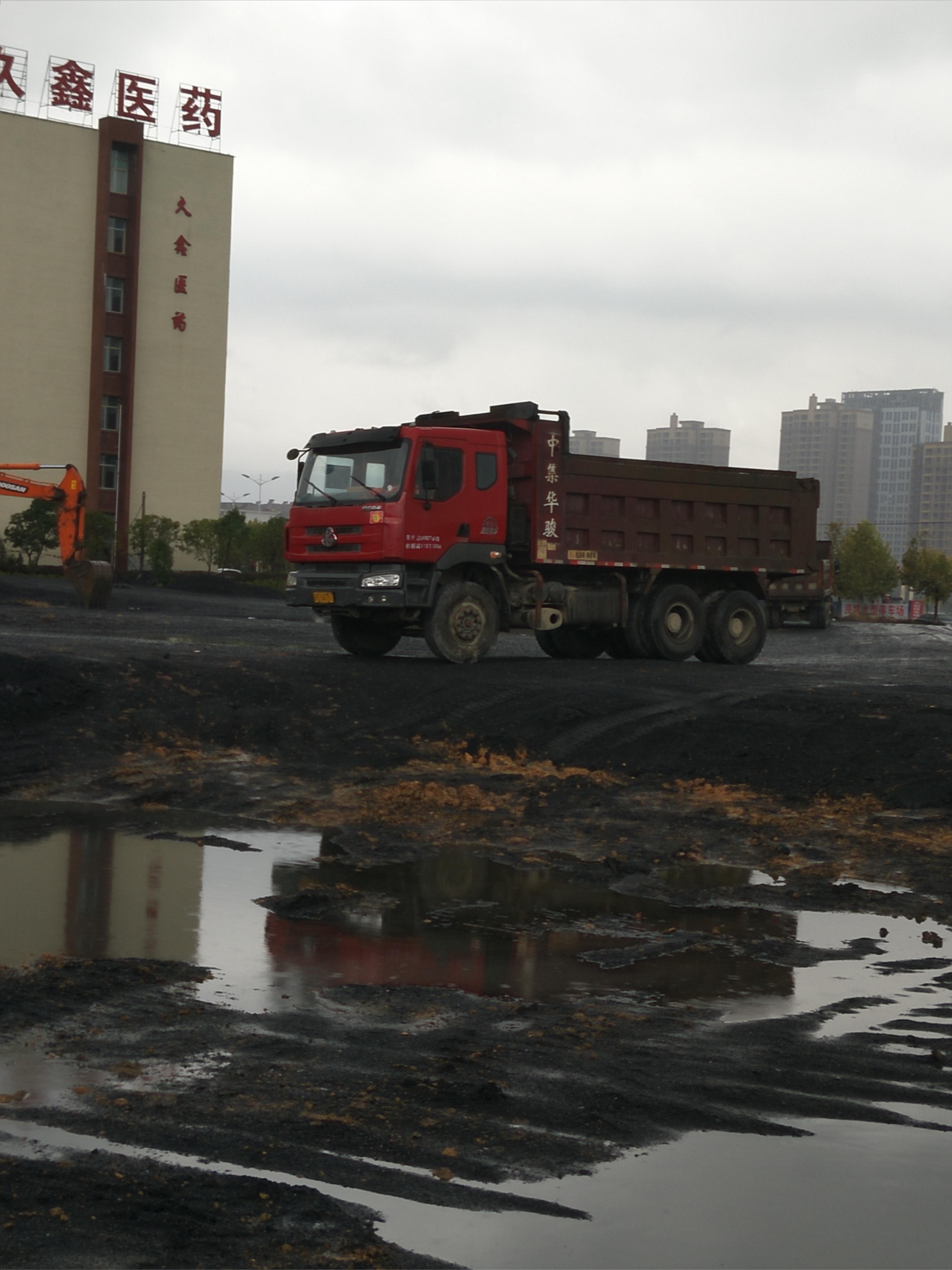 东风柳汽 霸龙507重卡 290马力 6X4 5.6米自卸车(EQ3259GE3)口碑